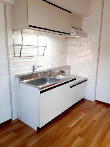ハイツ東菅野 102号室のキッチン