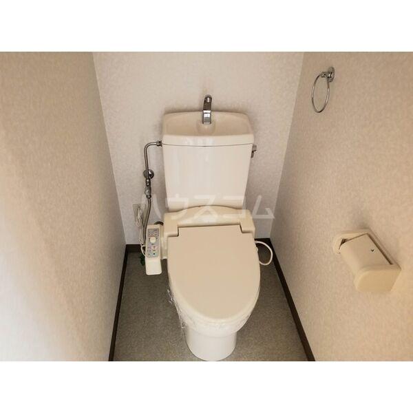 アヴァンデンスJUN 204号室のトイレ
