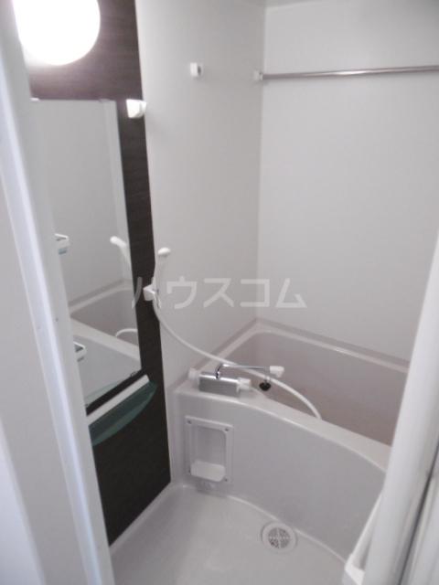リブリ・二十世紀が丘 106号室の風呂