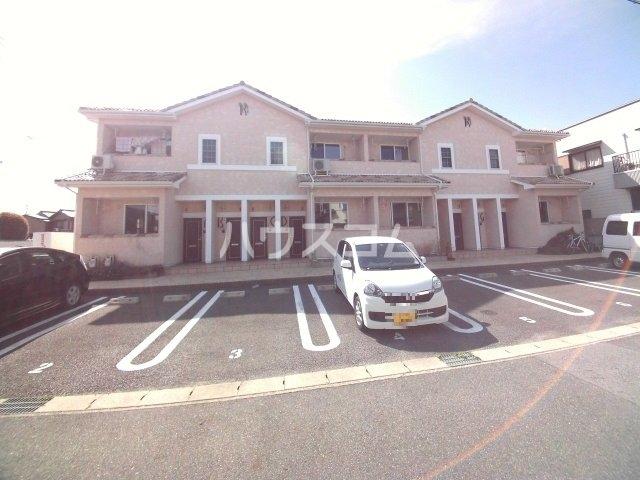 マノワール上里 D号室の駐車場