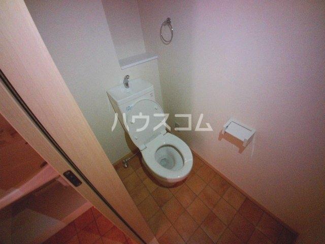 マノワール上里 D号室のトイレ