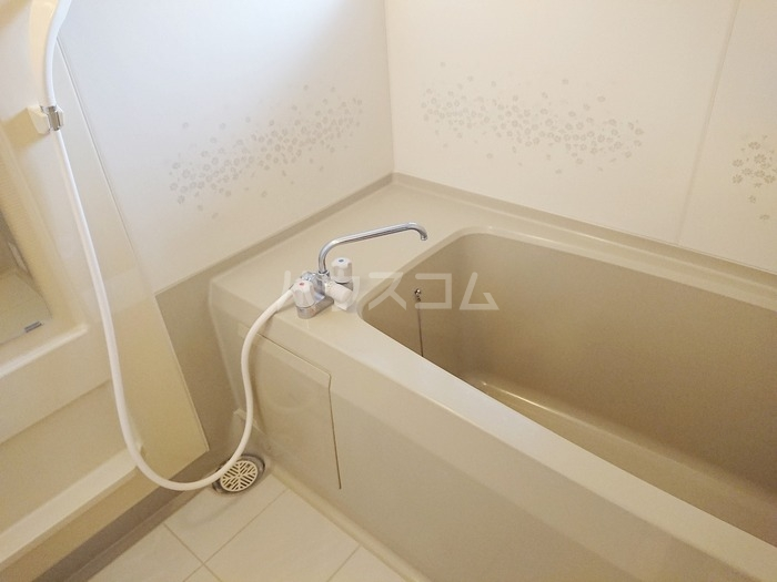 ソシアパートⅢ 203号室の風呂