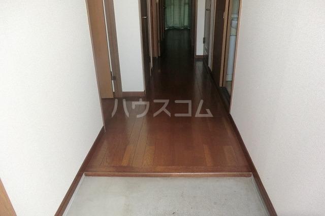 サイレントパレス矢曽根 102号室の玄関