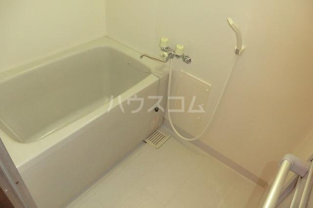 サイレントパレス矢曽根 304号室の風呂