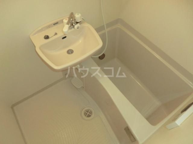 Sコート小手指 00205号室の風呂