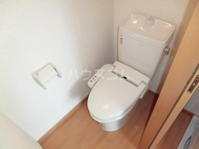 Sコート小手指 00205号室のトイレ