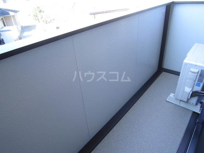 サンライフA棟 201号室の玄関