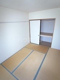 パルコート 301号室の居室