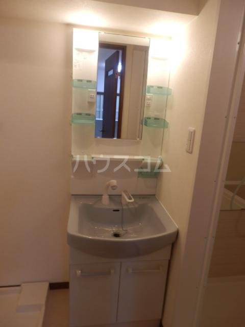T・I-SQUARE 202号室の洗面所