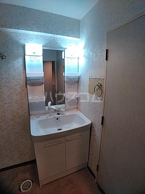 スリーエイト北町 110号室の洗面所