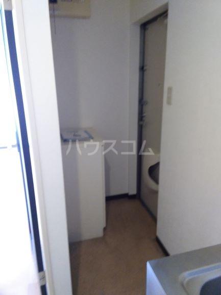 セルティ鳴海 201号室の玄関