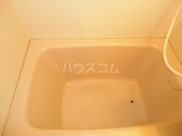 シャルム大堀 301号室の風呂