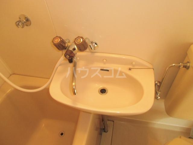 シャルム大堀 301号室の洗面所