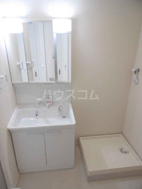 GRAND-SUITE IWASE 101号室の洗面所