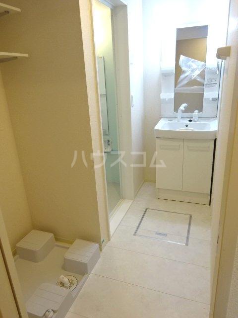 ハウオリ 201号室の洗面所