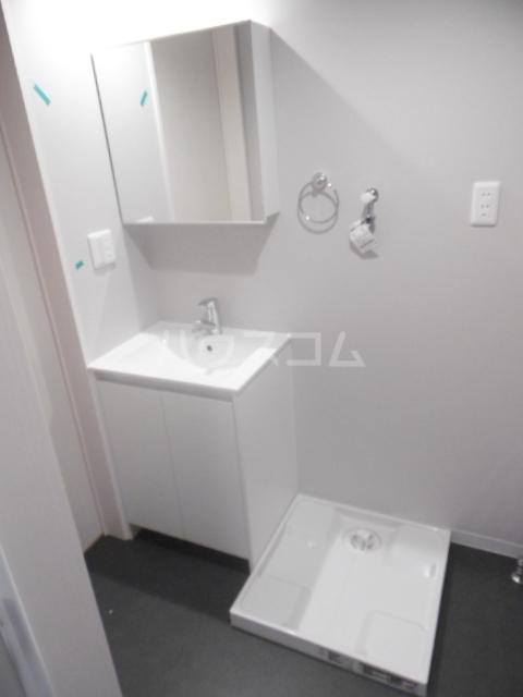 ウィステリア上本郷 101号室の洗面所
