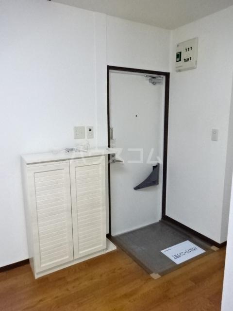 ライプニングコーポD 103号室の玄関