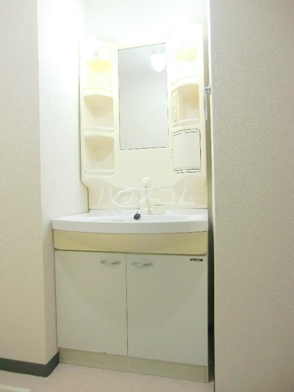 アンソレイユⅡ 103号室の洗面所