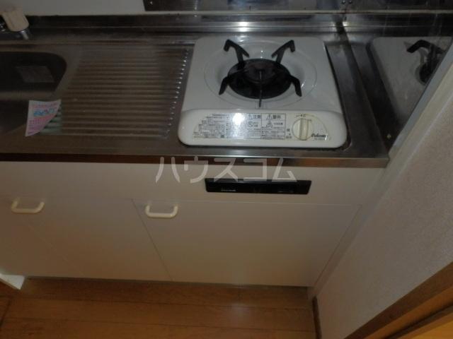 シャトー栗見坂Ⅱ 202号室のキッチン