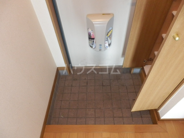 シャトー栗見坂Ⅱ 202号室の玄関