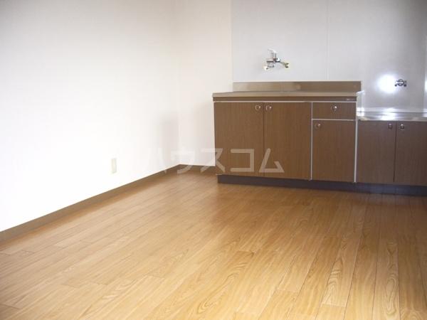 ヤカタハイツ 302号室のキッチン