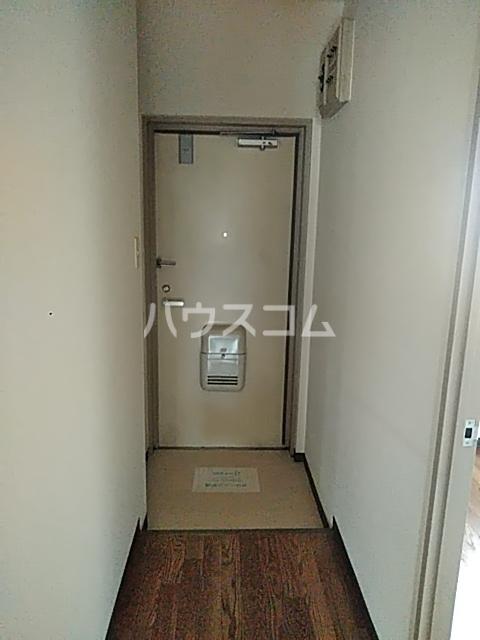 コンフォート・ISHII 105号室の玄関