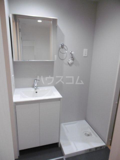 アーバンハウス上本郷 102号室の洗面所