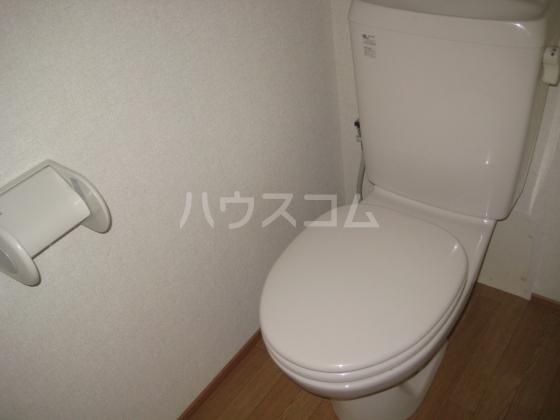 エスポワールB 102号室のトイレ