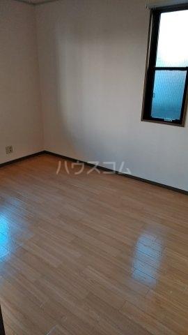 ディアハイツ 102号室の居室