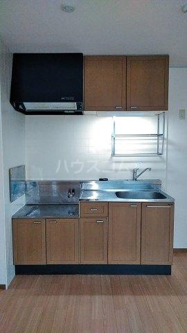 ディアハイツ 102号室のキッチン