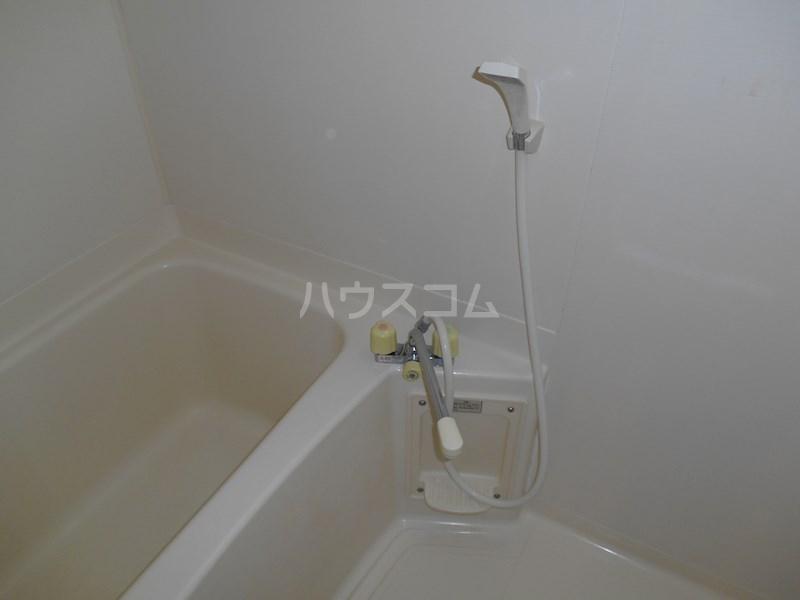 半田ビレッジ4号棟 201号室の風呂