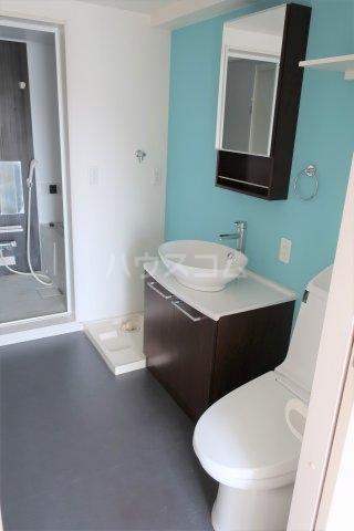 Garuda大同 205号室の洗面所