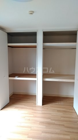 メゾンルミエール 201号室の収納