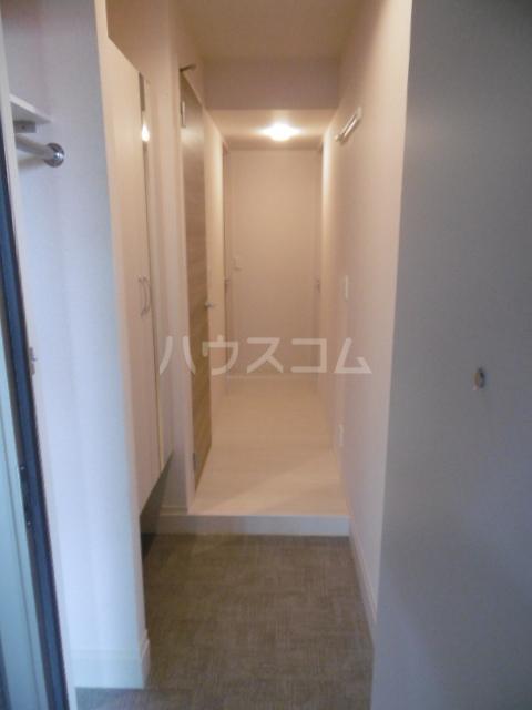 ベルエキップ 102号室の玄関