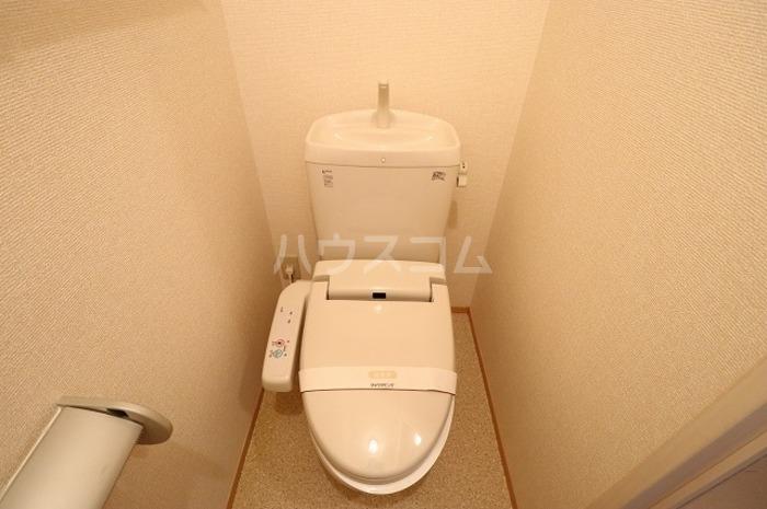フィットK2 103号室のトイレ
