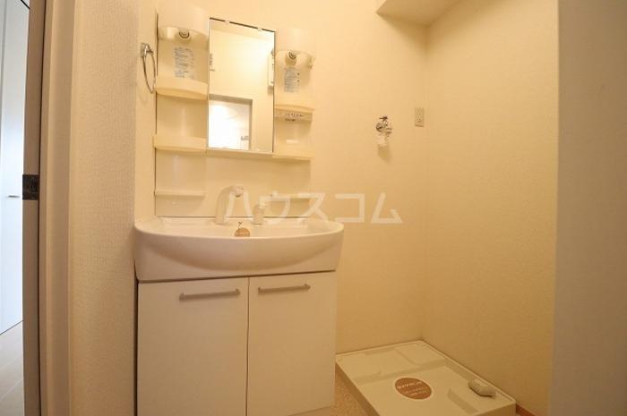 フィットK2 103号室の洗面所