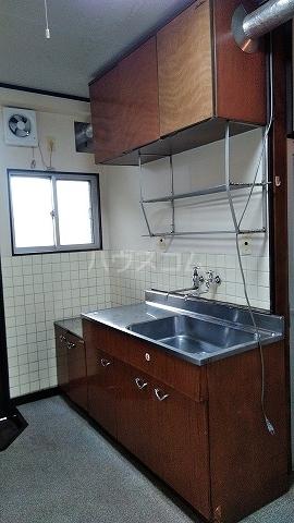 有貴荘 202号室のキッチン