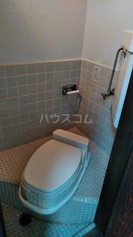 有貴荘 202号室のトイレ