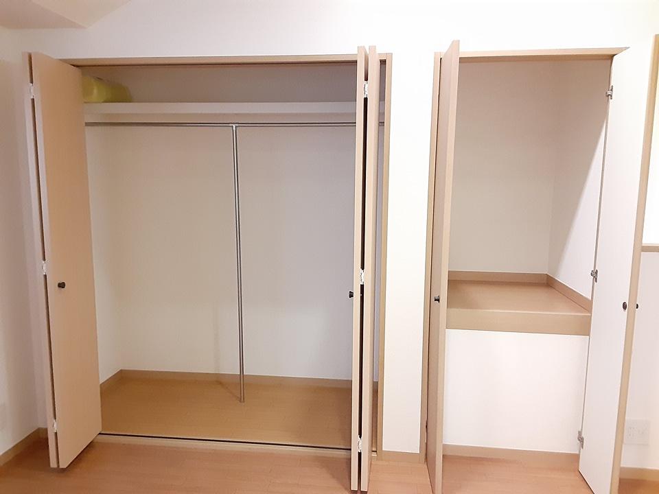 ヴェセリー本八幡 203号室の玄関