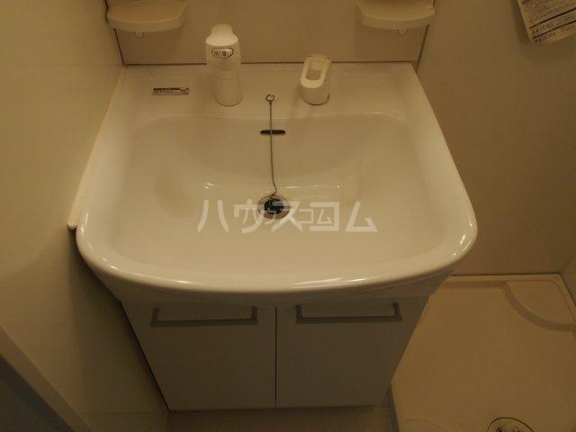 モダンコート藤 102号室の洗面所