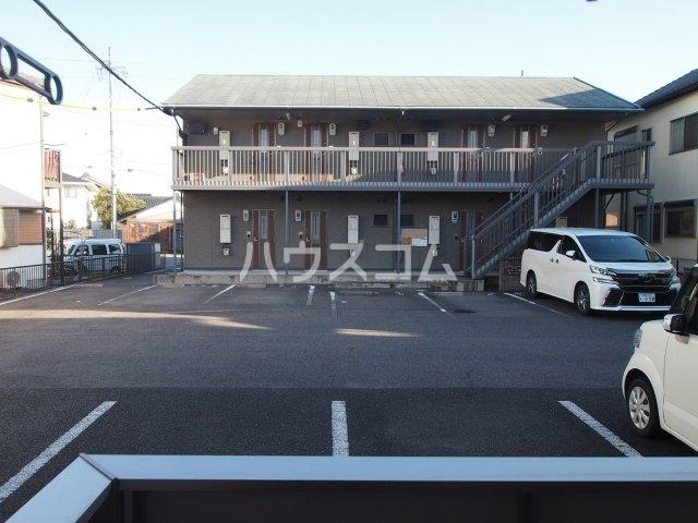 モダンコート藤 102号室の駐車場