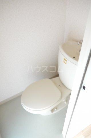 メゾンプレミール 201号室の洗面所