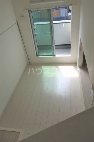 コンチェルト M 201号室のリビング