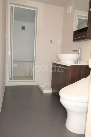 コンチェルト M 201号室の洗面所