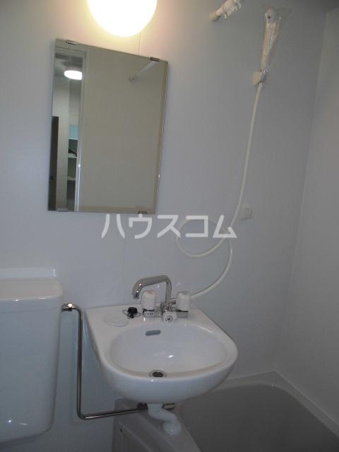 レオパレス鳴海第5 202号室の洗面所