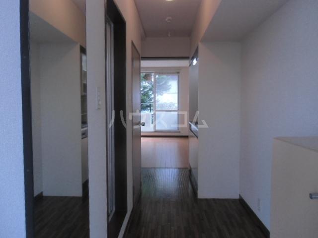 ヤーニングA 107号室の居室