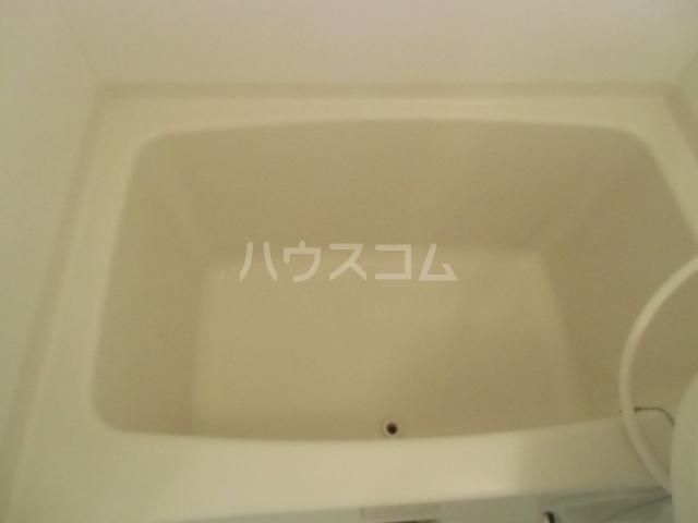 ヤーニングA 107号室の風呂
