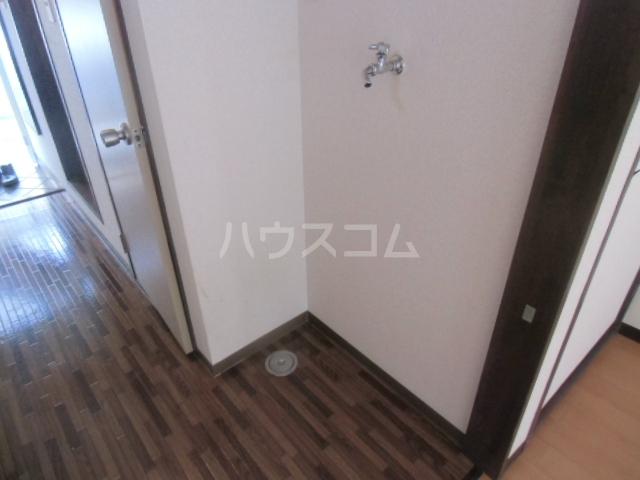 ヤーニングA 107号室の洗面所