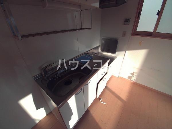 メゾン四季彩 B 102号室のキッチン