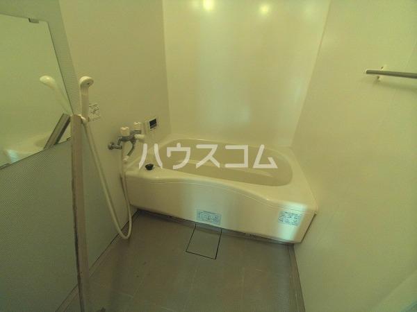 メゾン四季彩 B 102号室の風呂